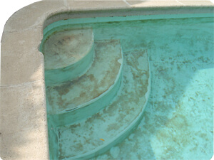 Pool stains and discoloration in a marcite pool - Black algae removal swimming pool ...