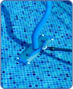 vacuum-the-pool-