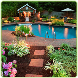 landscaping-around-the-pool