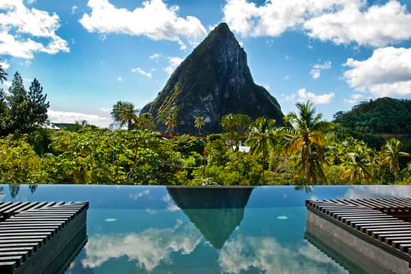 21 of the world s coolest infinity pools intheswim pool blog for Best swimming pool designs in the world
