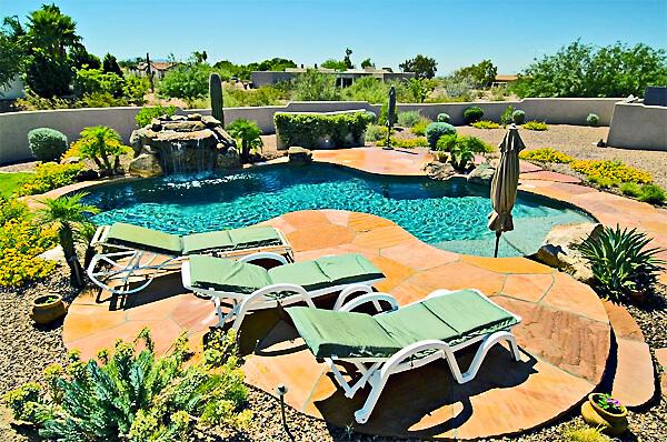 desert-pool-pixabay