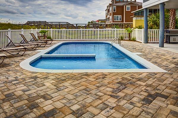 paver-pool-deck-pixabary