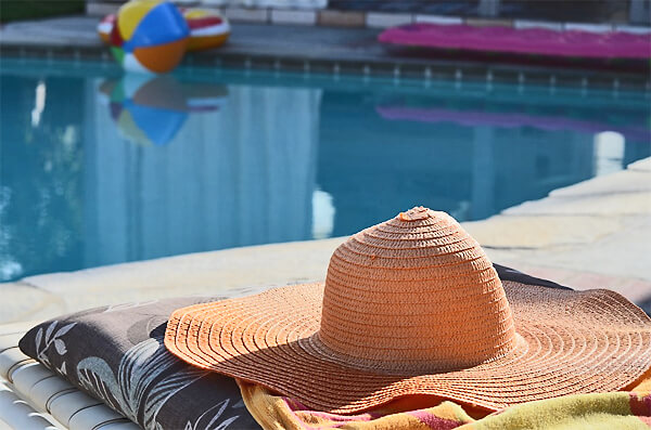 poolside-lounge-chairs-pixabay