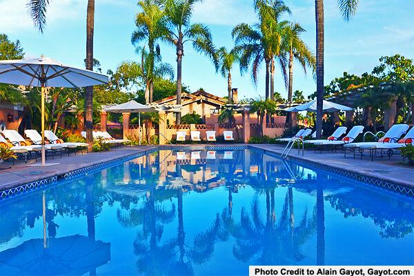 Rancho-Valencia-pool-by-Alain-Gayot