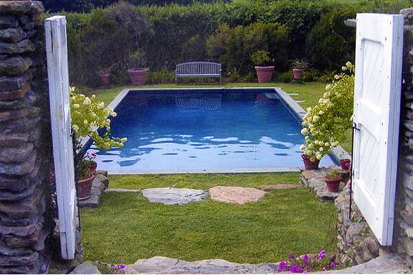 Image via huntcountrypools.com. Pool Design Style: English Garden Pool