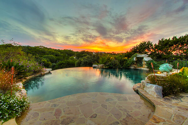 infinity-edge-pool-by-Keith-Zars-pools