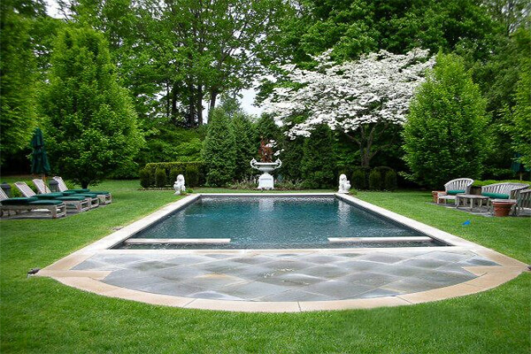 Image via sitesystems-landscape.com, a Gerbert & Sons Landscaping company based in Connecticut