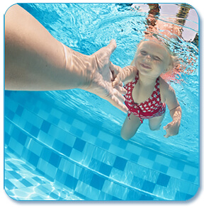 swim-lessons-with-kids-istk
