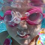 blowing-bubbles-underwater
