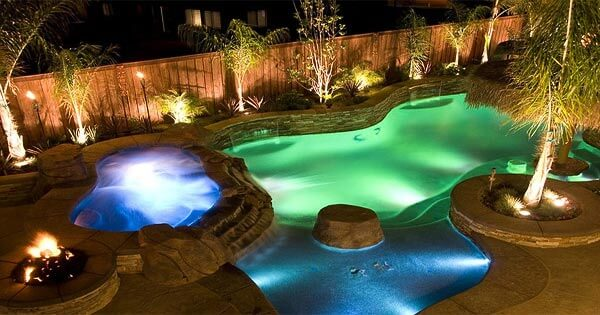 landscape-lighting-around-the-pool